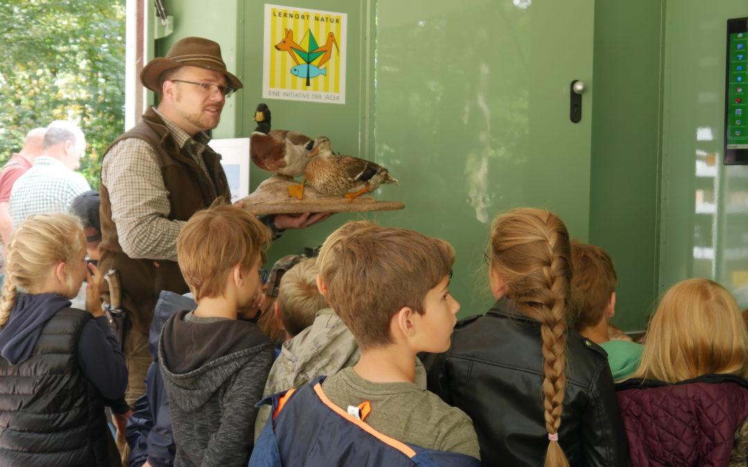 Stellenausschreibung: Mitarbeiter (m/w) für die Bereiche Lernort Natur/ Landesjagdschule