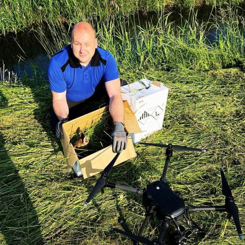 Datenbankeintrag Kitzrettung/Drohnenservice, Niedersachsen, Landkreis Salzgitter:VIDERE+ ist Ihr Anbieter für den Einsatz von DrohnenVIDERE+ verfügt sowohl über umfassende Erfahrungen im Bereich der Drohneneinsätze als auch über hochwertiges Equipment.Unsere UAS Pilotinnen und -piloten sind vom Luftfahrt-Bundesamt geprüft. Wir verfügen über diverse Genehmigungen und können mit unseren Industriedrohnen unabhängig von Wetter- und Lichtverhältnissen fliegen.Zuverlässig spüren wir Tiere auf und dokumentieren Schäden aus der Luft.https://www.deutsches-jagdportal.de/hunting_db/mapanbitener/index.php?view=article&page=Salzgitter&country=Deutschland&listing_type=bite&Provajder=83,&county=Salzgitter&&id=17693