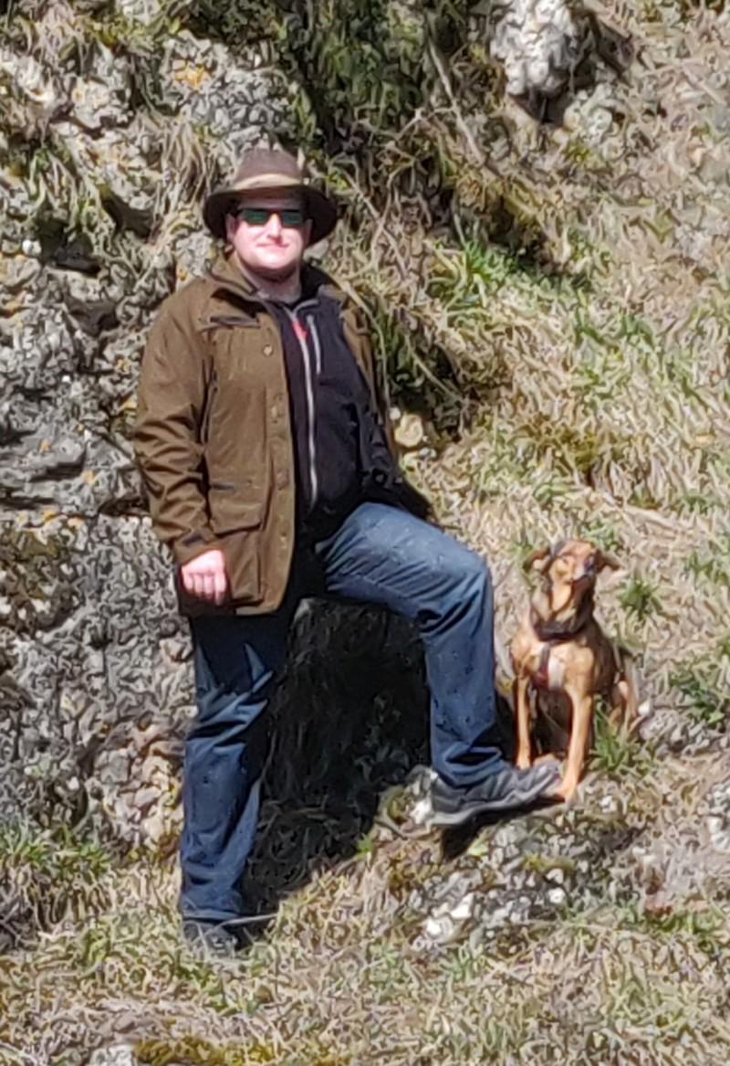 Begehungsschein Gesuche Unter-/OberfrankenIch suche für das kommende Jagdjahr einen BGS in der Umgebung bis 30km um Zeilitzheim. Ich habe familiär leider keinen jagdlichen Anschluss, daher suche ich nun auf diese Weise. Ich bin Jungjäger seit 2020, meine jagdliche Erfahrung beschränkt sich auf einen gemeinschaftlichen Ansitz, drei Drückjagden als Jäger in Thüringen und 2 als Treiber.https://www.deutsches-jagdportal.de/portal/index.php/kleinanzeigenmarkt/ad/begehungsschein,24/begehungsschein-gesuche-unter-oberfranken,1106